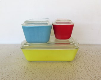 Pyrex Set 3 Refrigerator Dishes Primary Colors Vintage