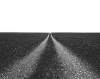 Road leading towards the horizon