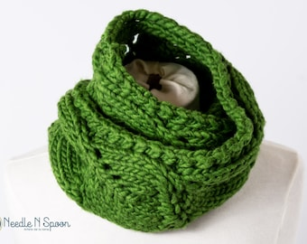 Knit chunky green cowl, infinity scarf, chunky scarf, infinity loop, knit scarf