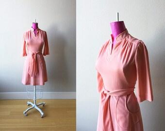 1970s Peaches and Cream Minimal Boho Dress with Big Pockets Extra Small