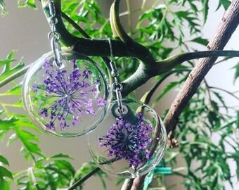 Queen Anne's Lace earrings - botanical earrings - resin earrings - resin jewelry - real flower art - pressed flower jewelry - purple earring