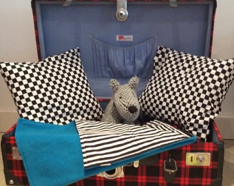 Retro Suitcase Pet Bed/Storage Chest