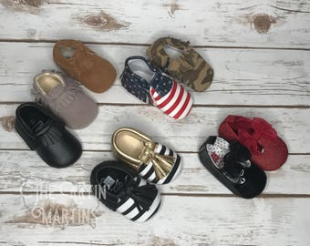 Baby Moccasins - Baby Booties, Crib Shoes, Newborn Picture, Baby Shower gift