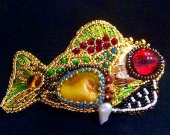 Fish beaded embroidery Tutorial in JPG , Bead Embroidery Fish brooch  Pattern ,