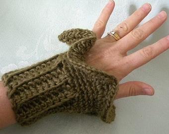 Ruffled Wrist Warmer Cuffs Crochet Pattern PDF      EASY - permission to sell what you  make