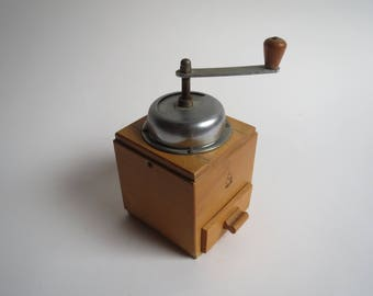 Vintage coffee grinder, wooden coffee grinder, vintage coffee grinder, dutch coffee