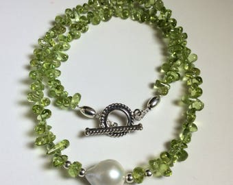 Peridot necklace, Peridot and Baroque pearl necklace, choker necklace.