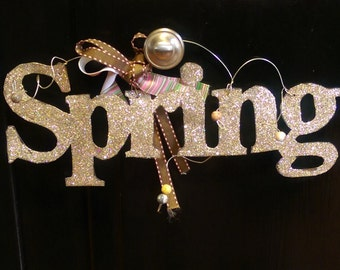 Mothers Day Gifts, Glitterbit: Ring in Spring with a Sparkling Door Hanger, Gift Tag