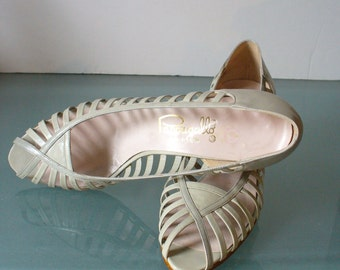 Vintage Pappagallo  Gray Green Pumps Size 7.5N US