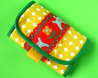 SPECIAL ITEM (Cora Paige Project) key case - yellow dots with little bear ribbon