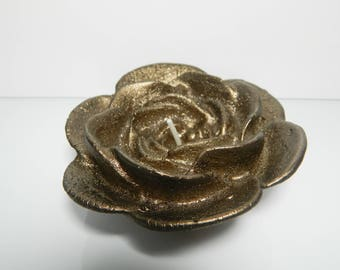 2 x Brown bronze flower candle