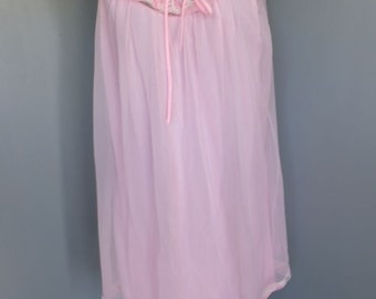 Vintage Chiffon Nightgown & Matching Robe, Pink Feminine Nightie wLace Collar and Pretty Bow, 2 pc Set, Medium, 36