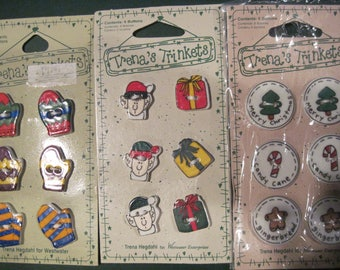18 Buttons Christmas Design Ceramic Buttons Trens'a Trinkets 1997 Free US Shipping