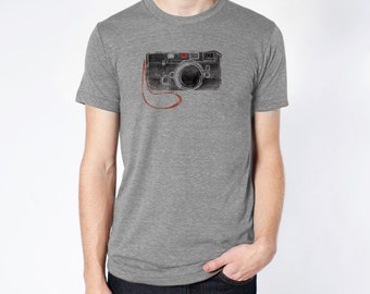 Camera Tee Shirt. Gift for Photographer Vintage Camera Rangefinder Photography Tee Shirt - Gift for Him, Artists, Creatives, designers