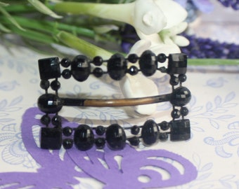 Beautifully Crafted Black Jet Mourning Jewellery - Victorian Buckle