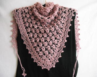 Crochet shawl. Dusy rose. Lace pattern. Baktus. Soft.