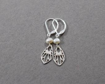 Handmade Wildflower Shield Earrings, Sterling Silver Pearl Earrings, Wildflower Earrings, Silver Earrings, Pearl, Artisan Earrings, E080