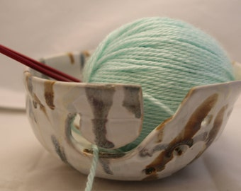 Handmade Yarn Bowl - pottery    Knitting bowl, ceramic yarn bowl, Yarn ball holder, pottery yarn bowl, crochet bowl