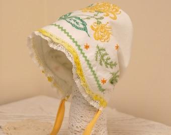 Golden Chrysanthemum Baby Bonnet -- vintage white and yellow infant hat,  photo prop, Easter bonnet, baby hat, sun bonnet, prairie bonnet