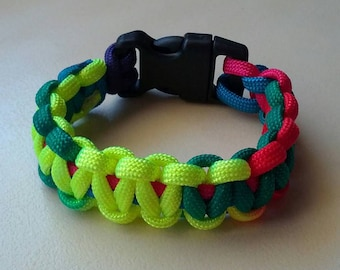 Multi colored / rainbow paracord friendship bracelet - gifts for teenagers