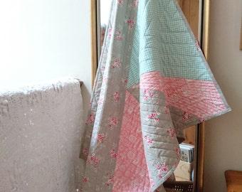 Geometric Floral Quilt