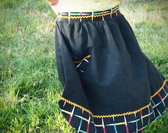 1950s black apron with ric-rac