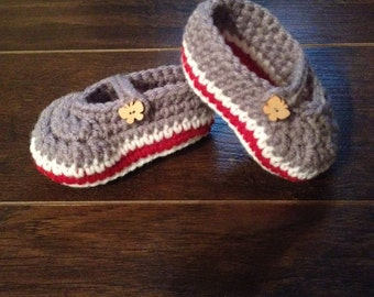 Mary janes for crochet baby 0-6 months wood button