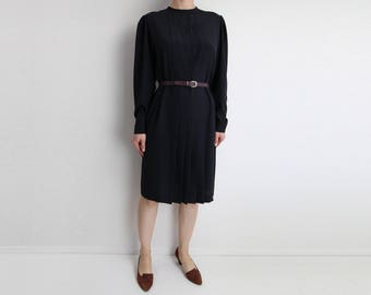 VINTAGE Black Shift Dress Pleated Longsleeve Medium