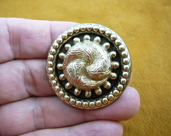 gold tone knot swirl design on round dot trimmed Victorian repro brass pin pendant BR-109