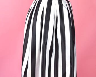 Vertical Stripes Swing Skirt