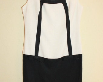 1960 Black and White Mod Shift Dress Size Bust 38-40