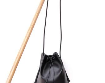Bucket bag black minimal in faux leather / Crossbody bag black handmade / Bag women design / Purse crossbody charm / Bag name tag