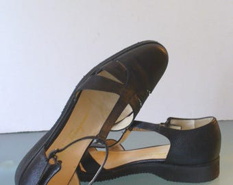 Salvatore Ferragamo Boutique Made in Italy T-Strap Mary Janes Size 7.5 4 A