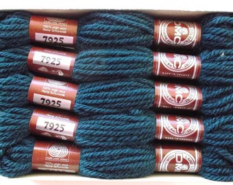 A SKEIN OF WOOL HAS TAPESTRY - DMC NO. 7925 COLBERT
