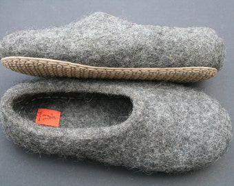 Felted slippers Eco Friendly Men's house shoes Natural wool clogs handmade gift for him Wool