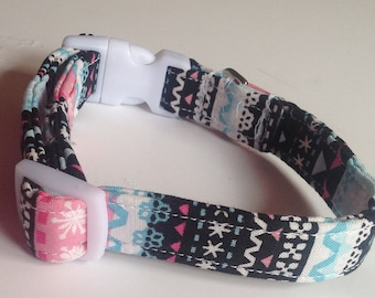 "Pre Made Winter Christmas Collar with Snowflakes for Dogs- Size Small with 5/8""W Band"