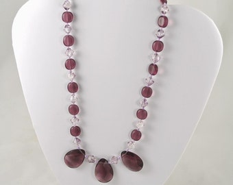 Handmade Purple and Lilac Glass Beaded Necklace - Lila