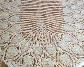 Gorgeous Crochet Pineapple Tablecloth