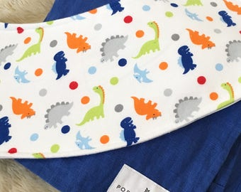 Dinosaur Dots Oliebib - babywearing bib and burp rag, full coverage and waterproof!