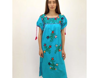 El Mar Dress // vintage tunic boho hippie 70s 1970s ethnic Mexican hand embroidered hippy floral cotton turquoise blue // S/M