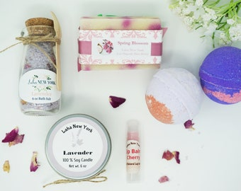 Lavender Spa Gift Set ,Birthday Gift Set,Gift for her ,Gift for Mom,Thank You Gift set,soy candle,bath bomb,soap,bath salt
