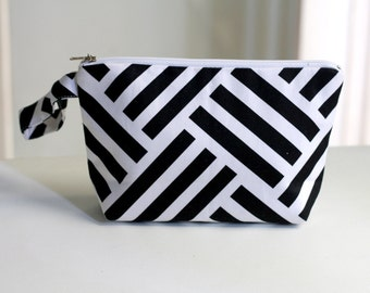 Geometric Pouch , Black and White, cosmetic bag /  make up pouch organizer