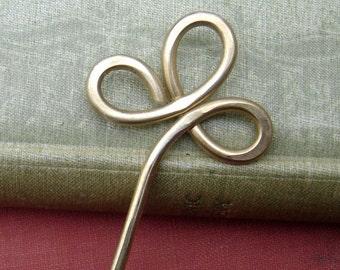 Trinity Clover Loops Brass Metal Hair Stick, Shawl Pin, Hair Picks, Bun Holder, Shawl Stick Gift for Her, Long Hair Accessories, Women