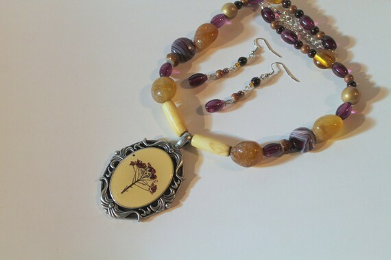 Purple and Gold Pressed Flower Pendant Statement Beaded Necklace and Earring Set, Gift for Her, Flowers for Mom, Flower Jewelry for Wife