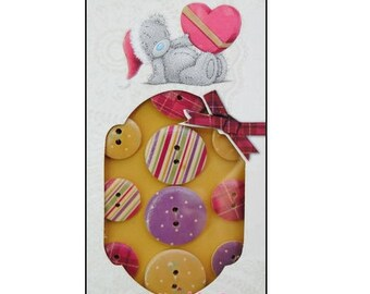 """Set of 12 wooden buttons decorated """"Me to You"""" scrapbooking (ref.110) *."""
