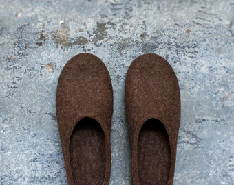 Women slippers felted from organic wool in natural brown with dark chocolate color rubber soles