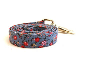 "Blue floral dog leash - Blue and red floral pet lead - Floral pet lead - Blue Flowerfield dog leash - 3/4"" wide x 3.8 foot long"