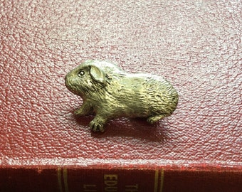 Cute Guinea Pig pewter pin brooch, English pewter, Guinea Pig pin badge, Pagent pewter, pet pon brooch