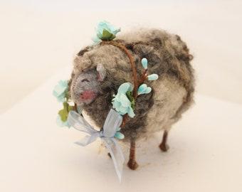 Little Black  Prim Needle Felted Sheep, Gray Sheep #3392
