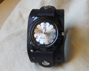 Bracelet black leather watch